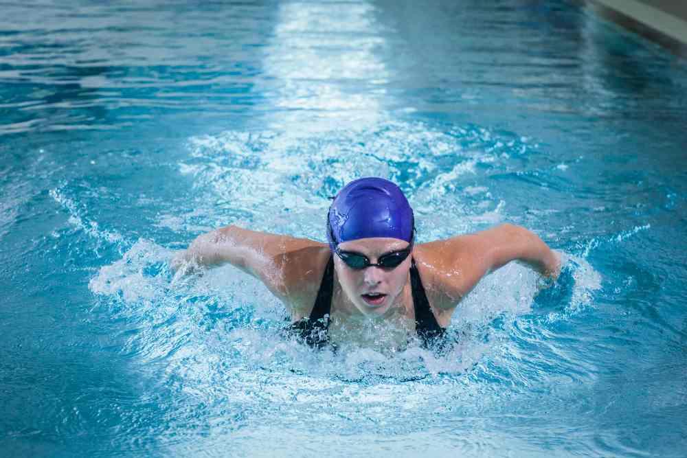 beneficios que obtienes al nadar