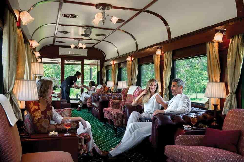 Experimenta el placer de viajar por el mundo en estos trenes de lujo