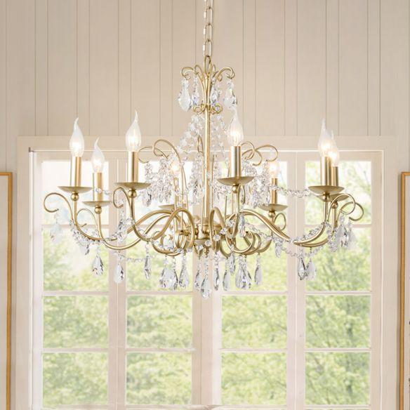 8 lujosos candelabros de techo para iluminar tu departamento con elegancia